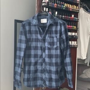 Men's M two toned blue checkered button up